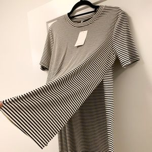 NWT Tobi Striped Short Sleeve w/ Hi-Lo Hem